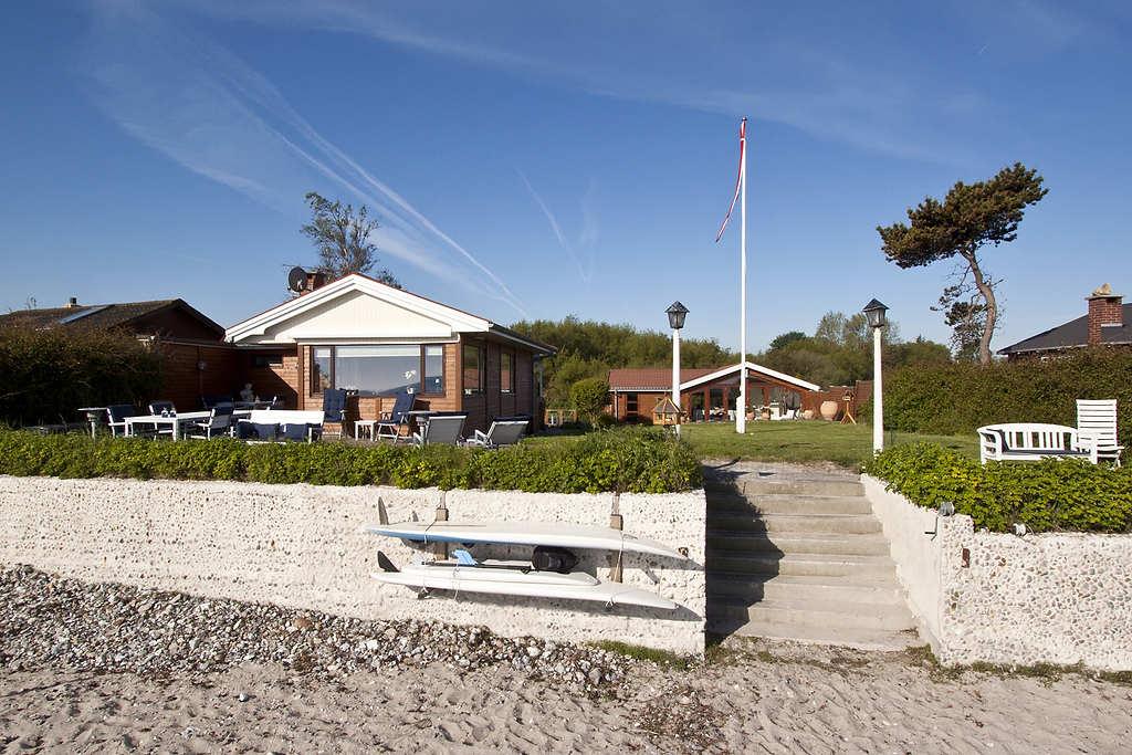Haupthaus und Nebengebeude von strand
